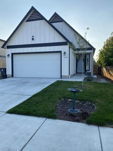 1014 Cherry Street, Medford, OR 97501 (MLS #220131737) :: The Ladd Group