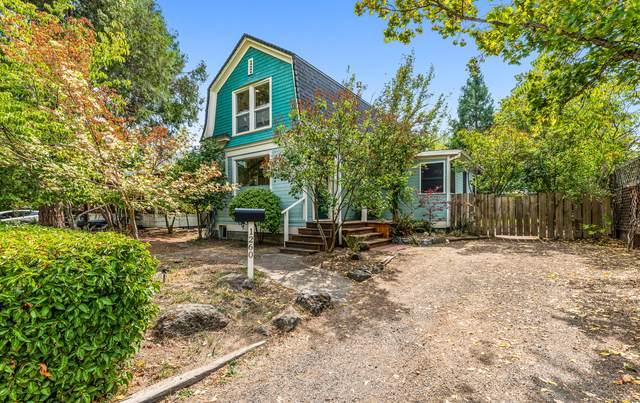 1260 Iowa Street, Ashland, OR 97520 (MLS #220131748) :: Berkshire Hathaway HomeServices Northwest Real Estate
