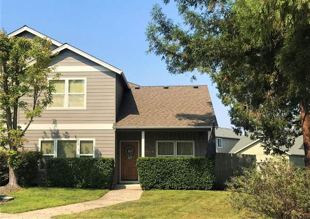 329 Cascade Drive, Central Point, OR 97502 (MLS #220131790) :: Berkshire Hathaway HomeServices Northwest Real Estate