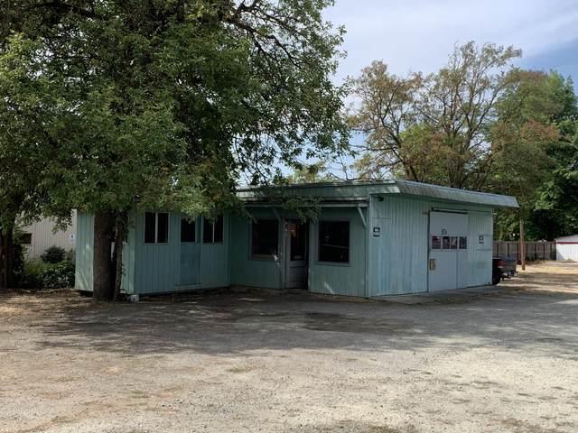 1572 NE 7th Street, Grants Pass, OR 97526 (MLS #220131802) :: The Bifano Home Team