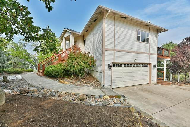 264 Sierra Drive, Eagle Point, OR 97524 (MLS #220131822) :: Berkshire Hathaway HomeServices Northwest Real Estate