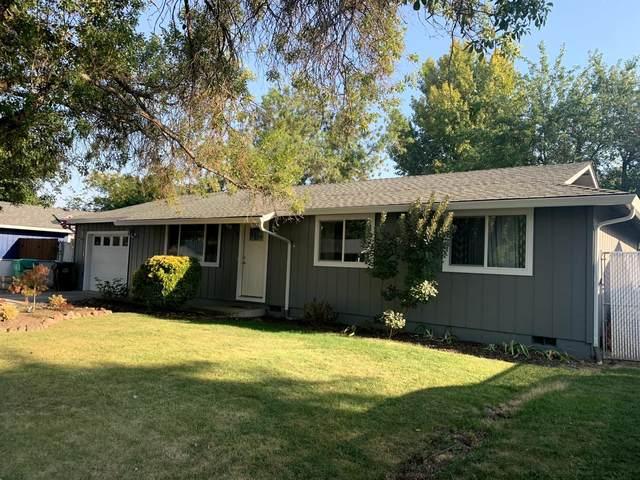 533 Laurel Street, Eagle Point, OR 97524 (MLS #220131824) :: Berkshire Hathaway HomeServices Northwest Real Estate