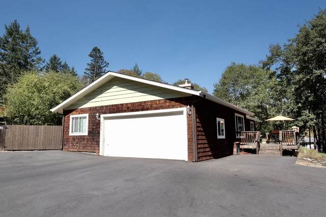 450 Crestview Loop, Grants Pass, OR 97527 (MLS #220131868) :: Coldwell Banker Sun Country Realty, Inc.