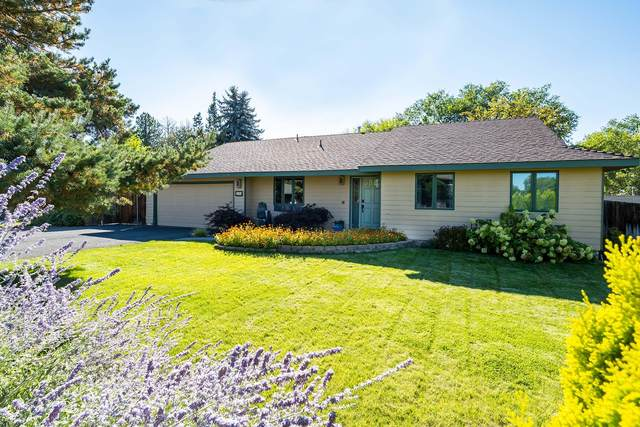 2285 NW 12th Street, Redmond, OR 97756 (MLS #220131916) :: Coldwell Banker Bain