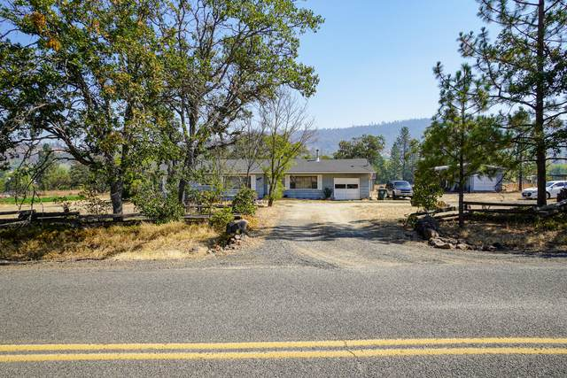 688 Rockwood Lane, Eagle Point, OR 97524 (MLS #220131921) :: Berkshire Hathaway HomeServices Northwest Real Estate