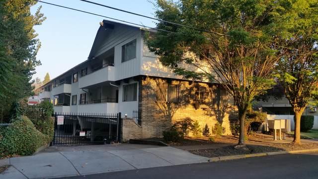 113 Cottage Street, Medford, OR 97504 (MLS #220131922) :: Coldwell Banker Bain