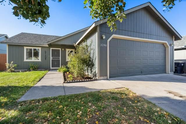 3246 SW Newberry Avenue, Redmond, OR 97756 (MLS #220131945) :: Coldwell Banker Bain