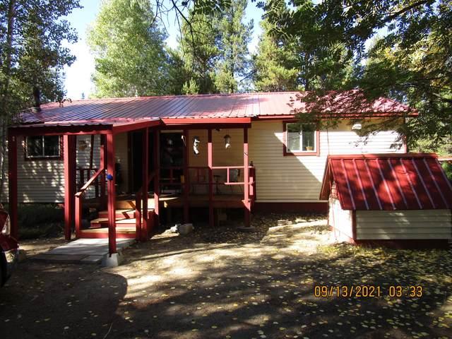 16030 Elderberry Lane, La Pine, OR 97739 (MLS #220131953) :: Coldwell Banker Bain