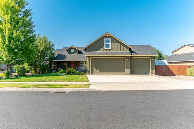 2943 NW 19th Street, Redmond, OR 97756 (MLS #220131966) :: The Riley Group