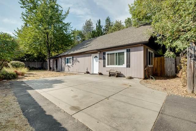 2921 SW Sw Elmer Nelson Lane, Grants Pass, OR 97527 (MLS #220131991) :: Schaake Capital Group