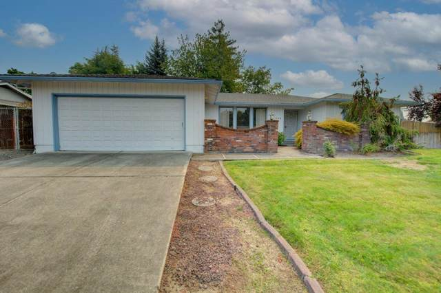 539 Golf View Drive, Medford, OR 97504 (MLS #220131995) :: Chris Scott, Central Oregon Valley Brokers