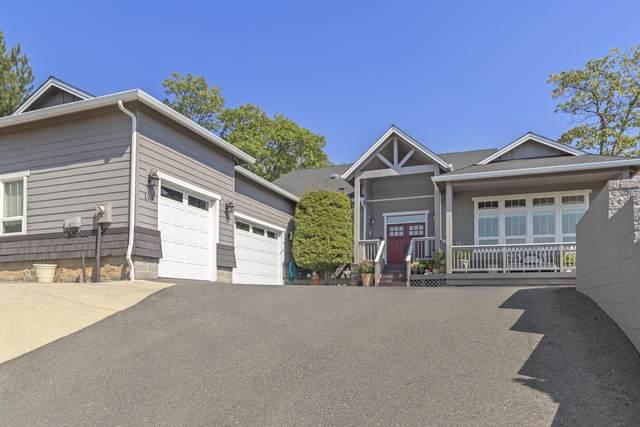 190 NW Native Run Loop, Grants Pass, OR 97526 (MLS #220132002) :: Berkshire Hathaway HomeServices Northwest Real Estate