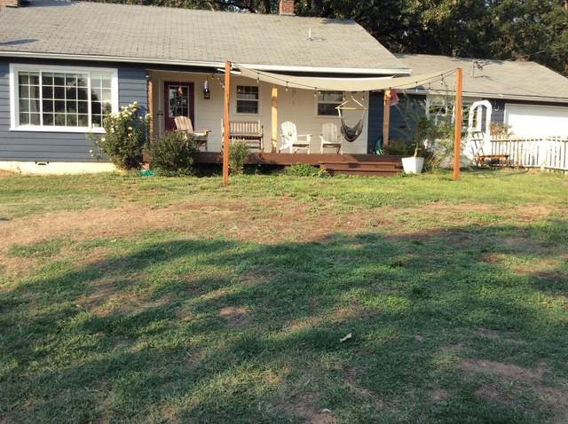 6170 Lower River Road, Grants Pass, OR 97526 (MLS #220132026) :: Schaake Capital Group