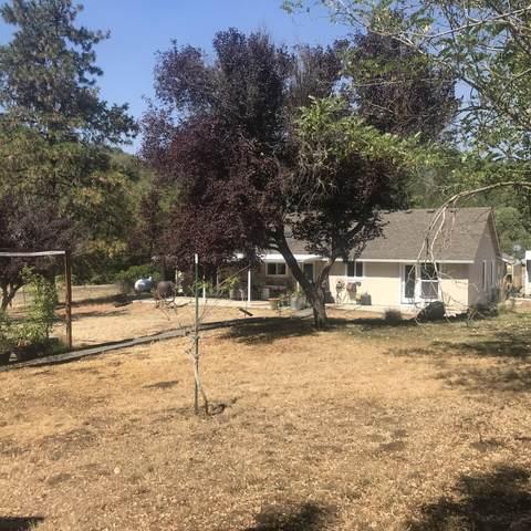 2666 Wards Creek Road, Rogue River, OR 97537 (MLS #220132027) :: Stellar Realty Northwest