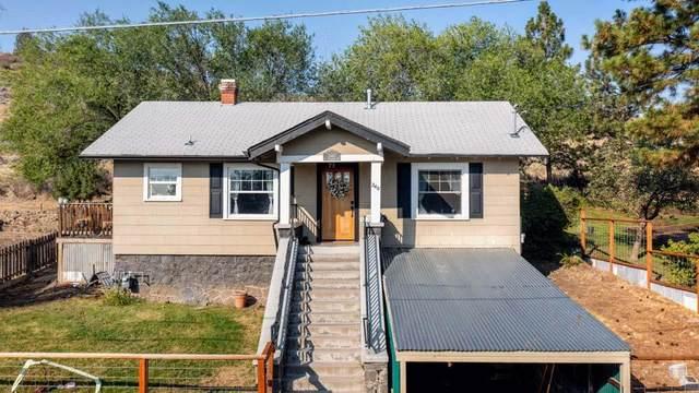 240 S Rogers Street, Klamath Falls, OR 97601 (MLS #220132032) :: Vianet Realty