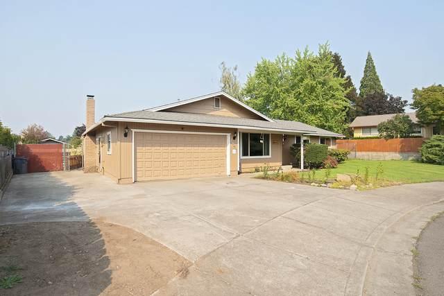 1423 Bonita Circle, Medford, OR 97504 (MLS #220132057) :: Coldwell Banker Sun Country Realty, Inc.