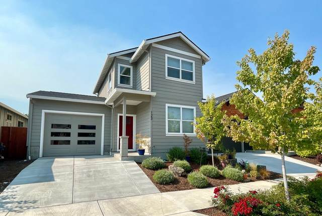 123 William Way, Talent, OR 97540 (MLS #220132060) :: Bend Relo at Fred Real Estate Group