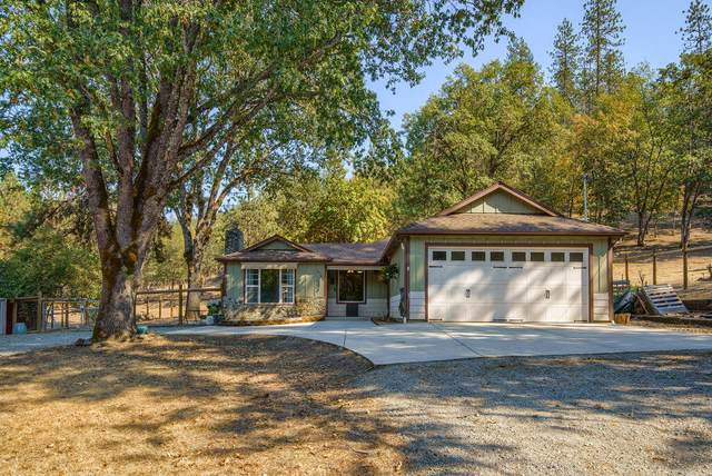 4716 Kane Creek Road, Central Point, OR 97502 (MLS #220132119) :: Schaake Capital Group