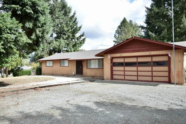 2045 Haviland Drive, Grants Pass, OR 97527 (MLS #220132126) :: The Bifano Home Team
