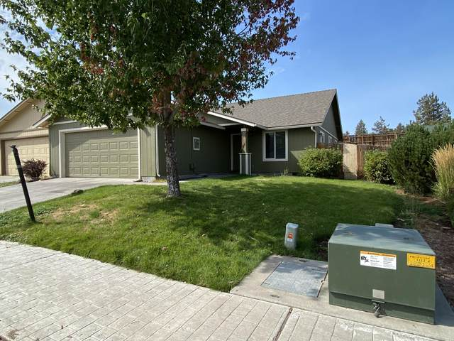 814 SE Kierra Place, Madras, OR 97741 (MLS #220132129) :: The Riley Group