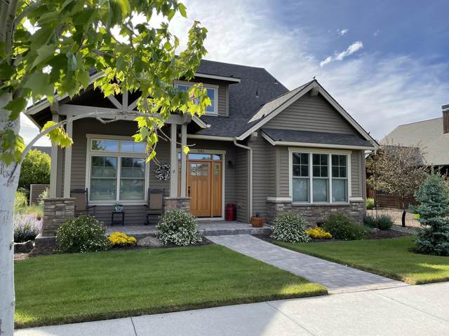 581 S Redwood Street, Sisters, OR 97759 (MLS #220132152) :: Coldwell Banker Sun Country Realty, Inc.