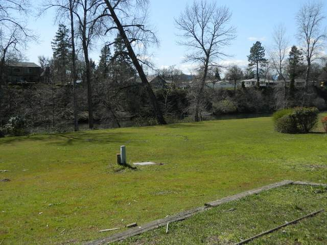506 Wen Dover Circle, Grants Pass, OR 97526 (MLS #220132157) :: The Bifano Home Team