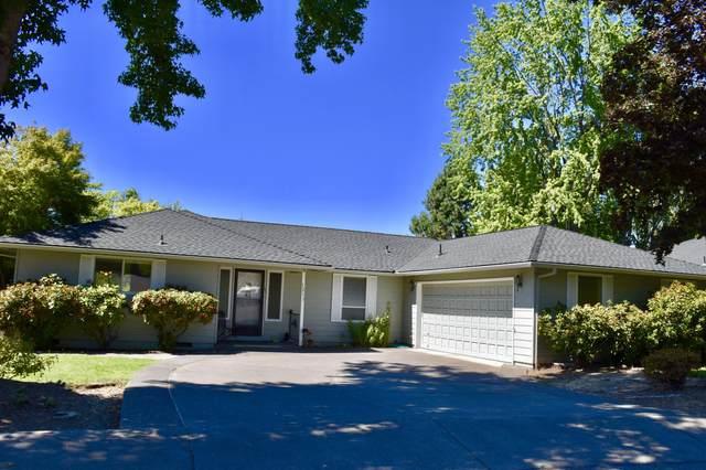 1211 Paulita Drive, Medford, OR 97504 (MLS #220132158) :: Coldwell Banker Sun Country Realty, Inc.