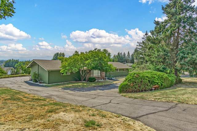 2308 Hillside Drive, Central Point, OR 97502 (MLS #220132190) :: The Riley Group