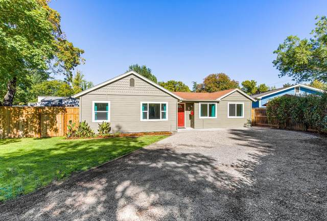 157 S Keene Way Drive, Medford, OR 97504 (MLS #220132194) :: Coldwell Banker Sun Country Realty, Inc.
