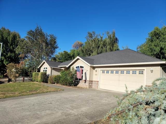 884 Mendolia Way, Central Point, OR 97502 (MLS #220132219) :: Premiere Property Group, LLC
