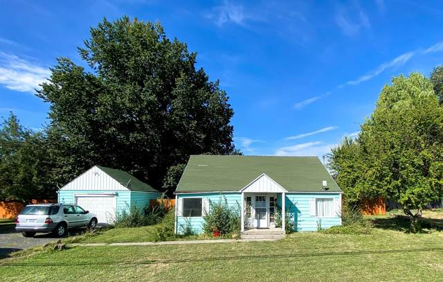 305 S Main Street, Prineville, OR 97754 (MLS #220132222) :: Coldwell Banker Sun Country Realty, Inc.