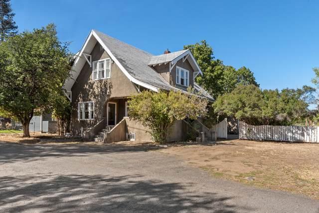 1755 NW Harriman Street, Bend, OR 97703 (MLS #220132227) :: Arends Realty Group