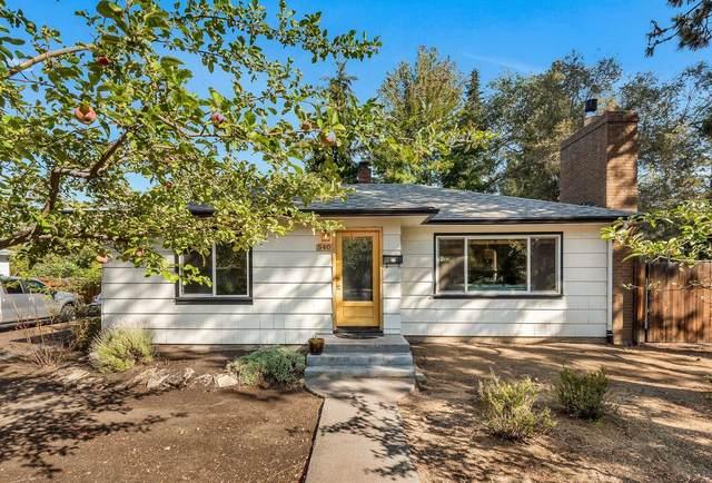 540 NE Revere Avenue, Bend, OR 97701 (MLS #220132257) :: Premiere Property Group, LLC