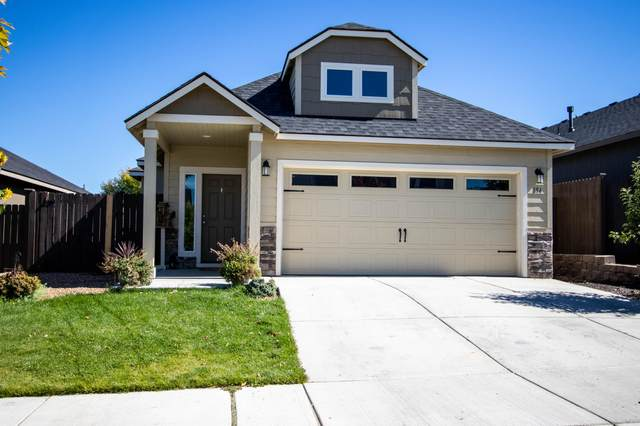 894 NW 24th Way, Redmond, OR 97756 (MLS #220132298) :: Arends Realty Group