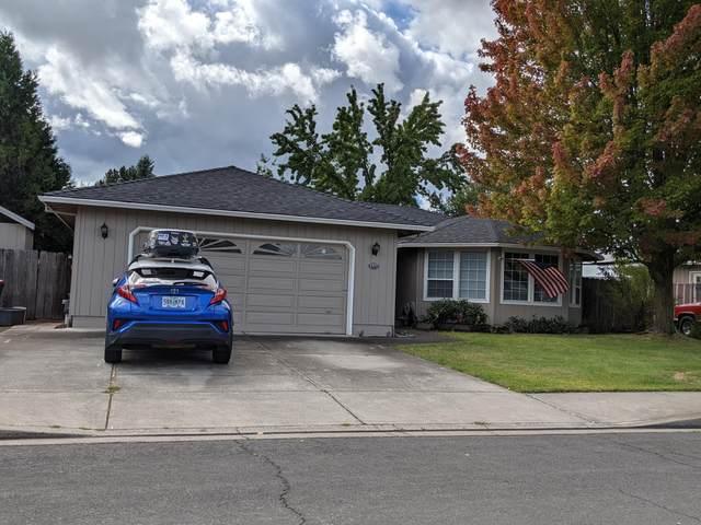 1577 Hancock Avenue, Medford, OR 97501 (MLS #220132307) :: Central Oregon Home Pros