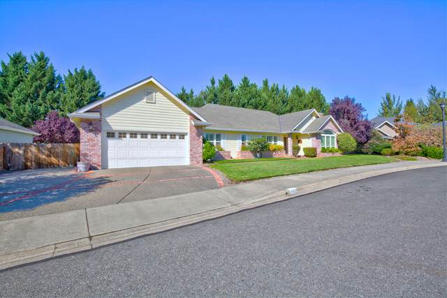 1122 Cashmere Drive, Grants Pass, OR 97527 (MLS #220132329) :: The Bifano Home Team