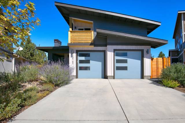 20762 NE Angora Court, Bend, OR 97701 (MLS #220132360) :: The Ladd Group