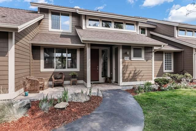 10859 Village Loop, Redmond, OR 97756 (MLS #220132405) :: Arends Realty Group
