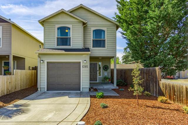 1385 Circlewood Drive, Central Point, OR 97502 (MLS #220132416) :: Premiere Property Group, LLC