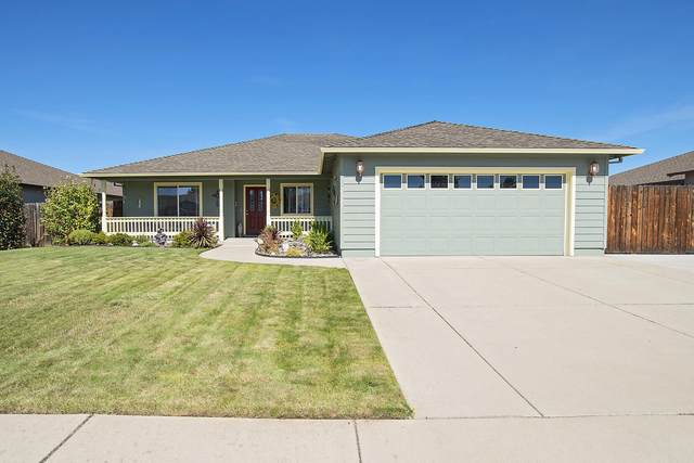 2327 Jeremy Street, Central Point, OR 97502 (MLS #220132437) :: Premiere Property Group, LLC