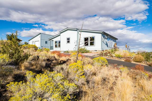 8032 SW Sand Ridge Road, Terrebonne, OR 97760 (MLS #220132438) :: Arends Realty Group
