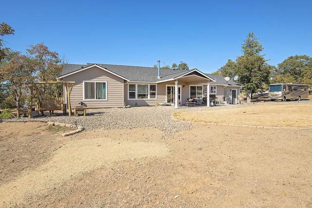 3389 Valley Vista Drive, Central Point, OR 97502 (MLS #220132441) :: Premiere Property Group, LLC