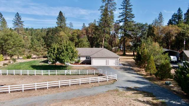 384 Oak Ranch Road, Grants Pass, OR 97526 (MLS #220132454) :: Premiere Property Group, LLC