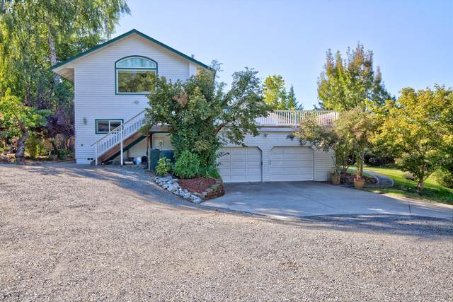 1043 Thelma Way, Grants Pass, OR 97527 (MLS #220132513) :: FORD REAL ESTATE