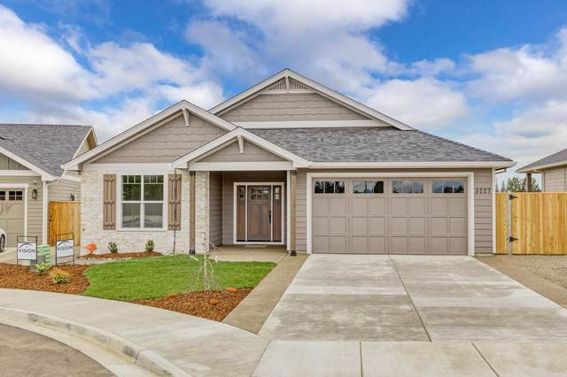 610 Stone Pointe Drive, Central Point, OR 97502 (MLS #220132520) :: Arends Realty Group