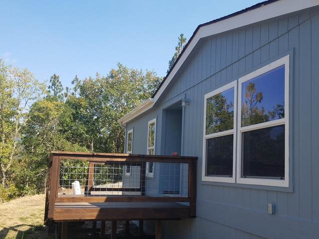 201 Potts Way, Grants Pass, OR 97526 (MLS #220132529) :: Arends Realty Group
