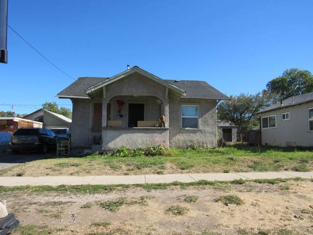 309 Martin Street, Klamath Falls, OR 97601 (MLS #220132537) :: The Bifano Home Team