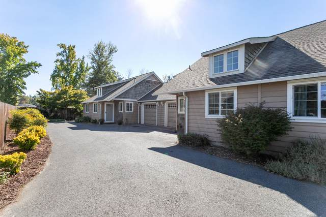 1750 SW Sun Glo Drive, Grants Pass, OR 97527 (MLS #220132555) :: FORD REAL ESTATE