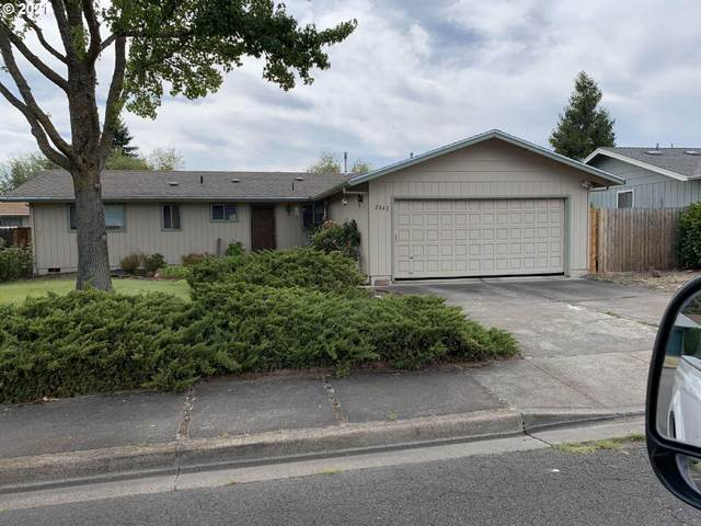 2042 Sandra Place, Medford, OR 97504 (MLS #220132559) :: Bend Relo at Fred Real Estate Group