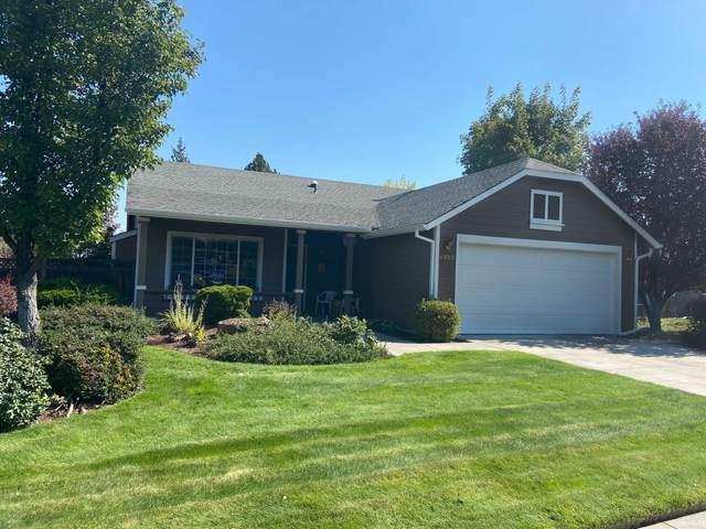 63062 Desert Sage Street, Bend, OR 97701 (MLS #220132574) :: Fred Real Estate Group of Central Oregon